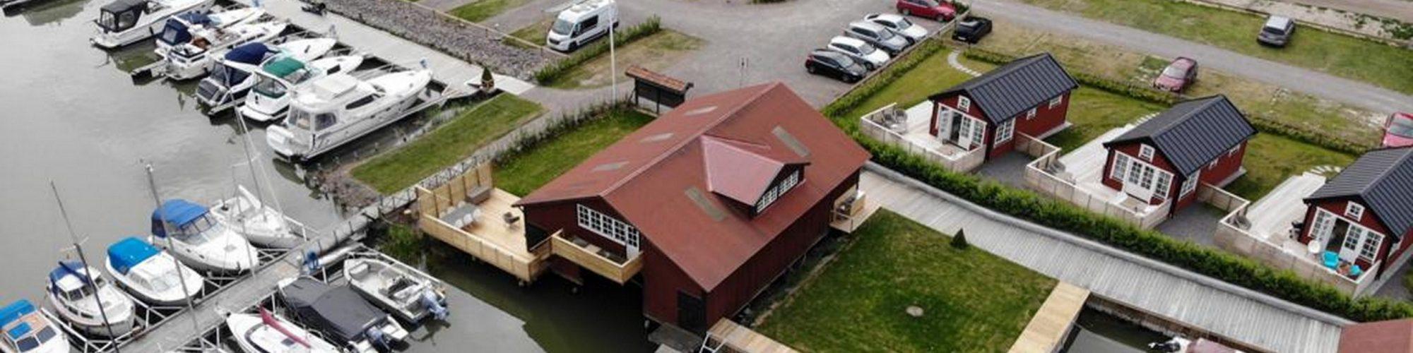 Båthuset 2000x500